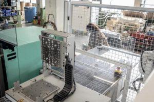 Automatisierte Verarbeitung direkt an den Spritzmaschinen